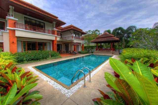 See Laguna Golf Villa - 1015 details