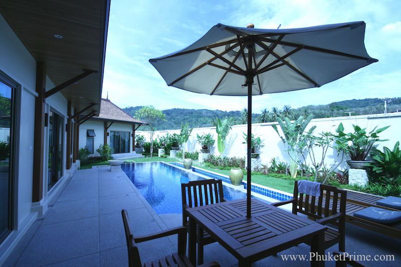Spacious-3-Bedroom-Naiharn-Pool-Villa---11172.jpg