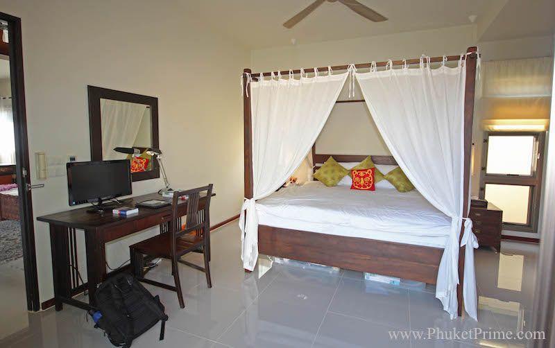 Spacious-3-Bedroom-Naiharn-Pool-Villa---11176.jpg