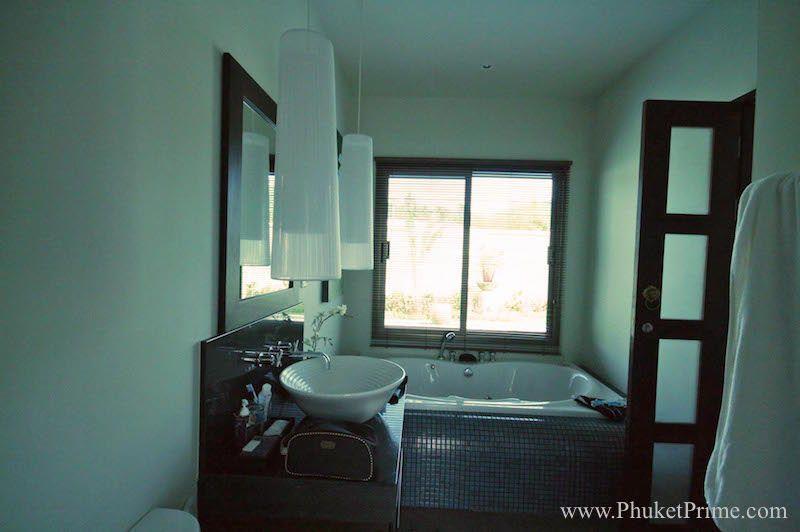 Spacious-3-Bedroom-Naiharn-Pool-Villa---11178.jpg