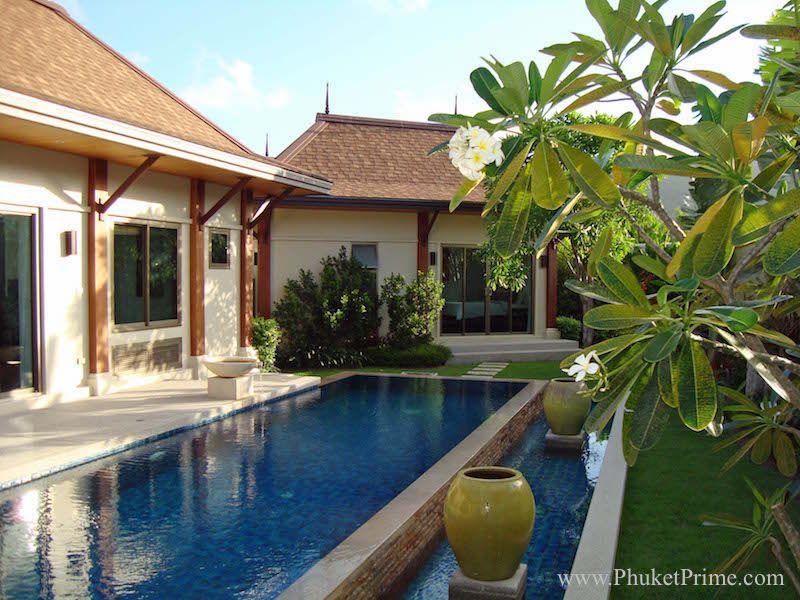 Spacious-3-Bedroom-Naiharn-Pool-Villa---11179.jpg
