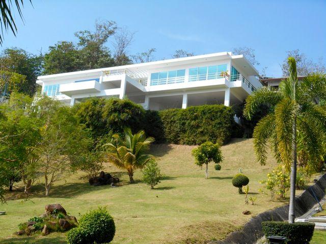 Fabulous-4-Bedroom-Ocean-View-Villa---11818.jpg