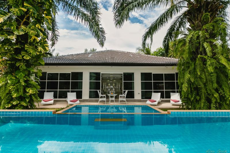 See Unique 4-Bedroom Villa details
