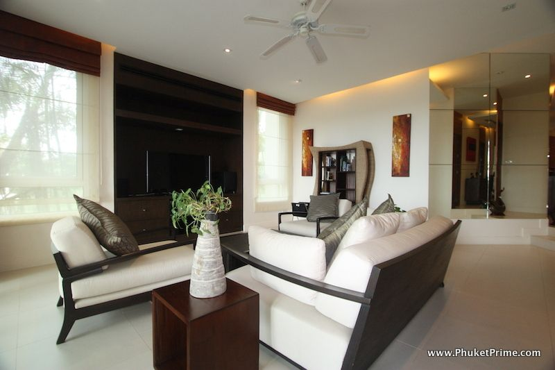 Modern-Contemporary-3-Bedroom-Apartment---13914.jpg