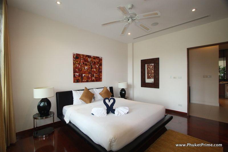 Modern-Contemporary-3-Bedroom-Apartment---13918.jpg