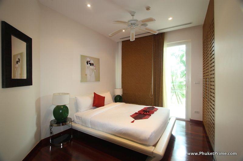 Modern-Contemporary-3-Bedroom-Apartment---13919.jpg