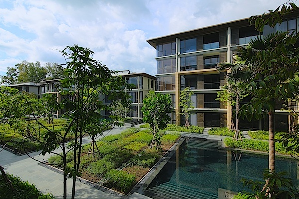 See Luxury 3-Bedroom Beachside Apartment details