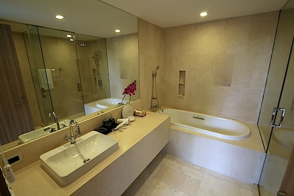 Luxury-3-Bedroom-Beachside-Apartment---1520-Baan-Mai-Khao4.jpg