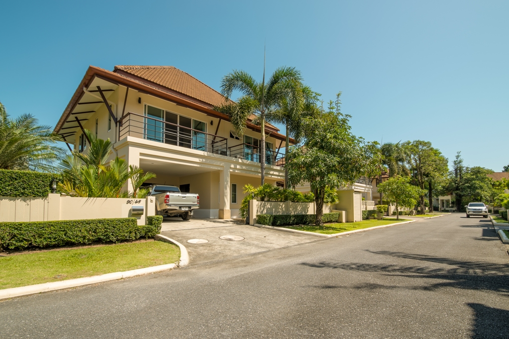 See Super Family Villa Near BIS - NOW SOLD details