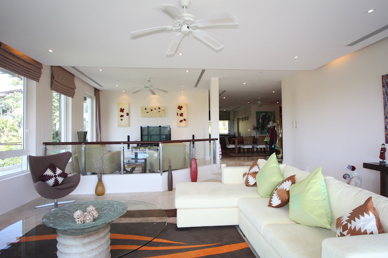 See Stunning 3 Bed Penthouse details