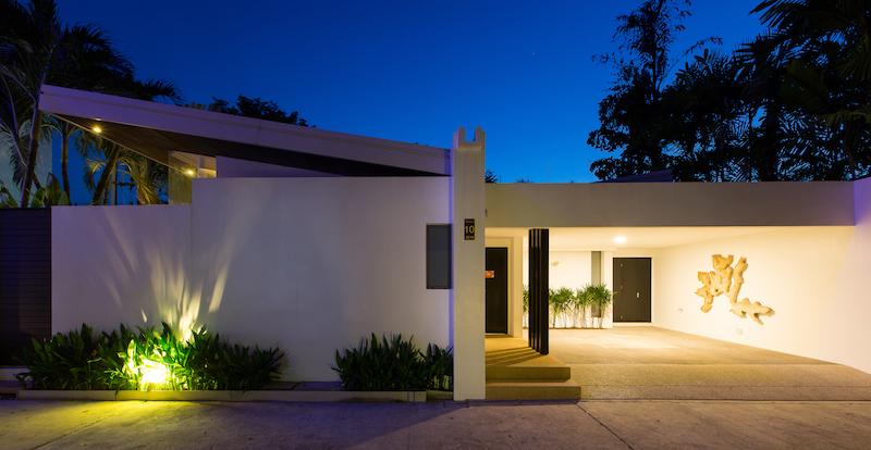 Stunning-Modern-3-Bedroom-Villa---1597-Laguna4.jpg