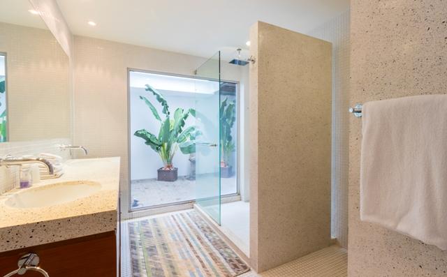Gorgeous-3-Bedroom-Sea-View-Apartment---160811.jpg