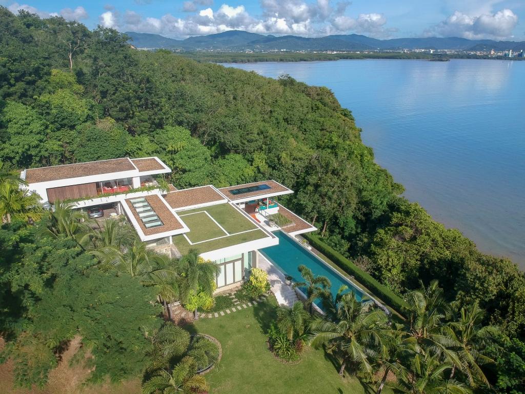 See Ocean Front Luxury details