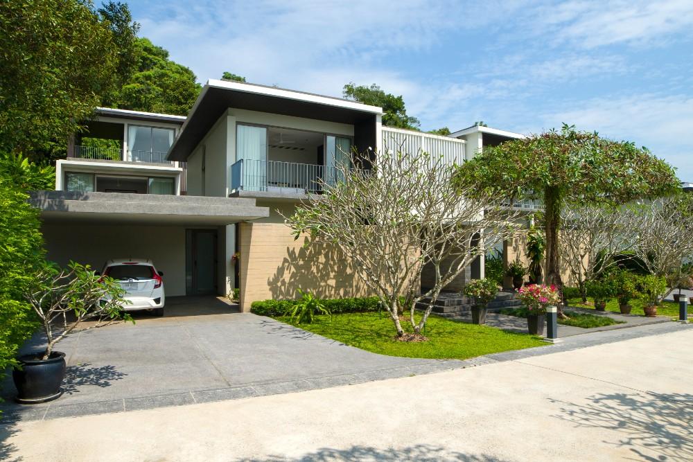 See Stunning 3 Bed Courtyard Villa details