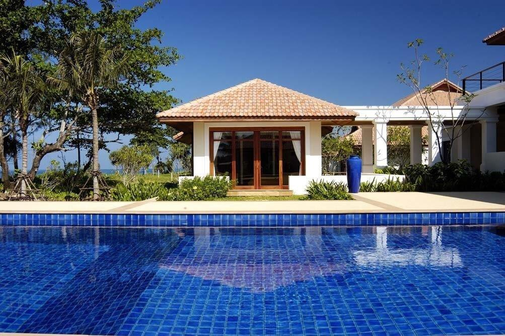 Perfect Beach House - 1642-pool & guest 3 .jpg