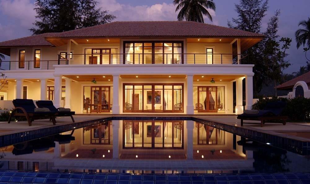 Perfect Beach House - 1642-house at night.jpg