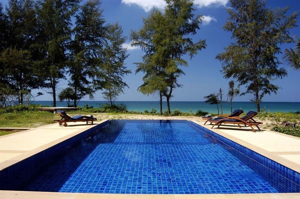 Perfect Beach House - 1642-Pool facing ocean.jpg