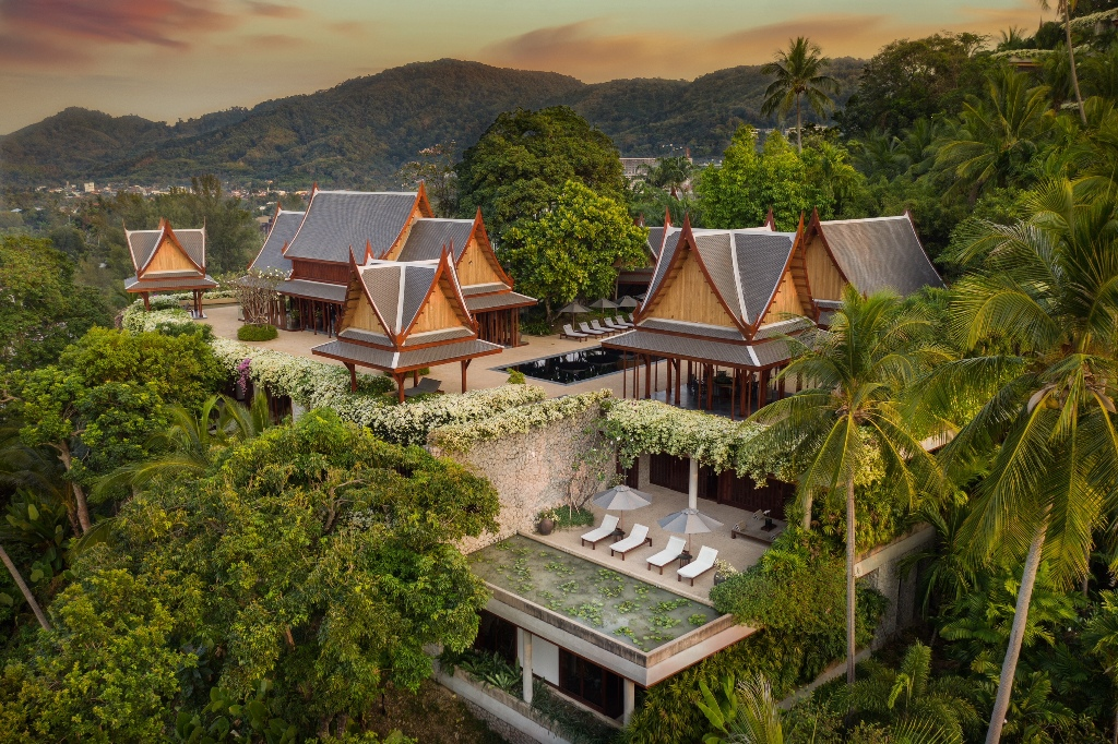 See Ultra Luxury Family Villa details