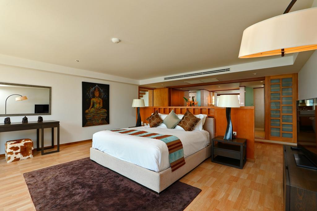 Perfect 3 Bedroom Sea View Condo-br1_02.jpg