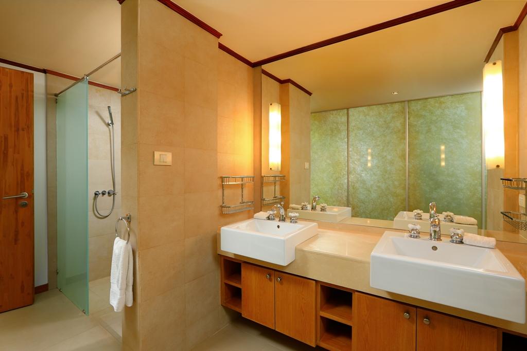 Perfect 3 Bedroom Sea View Condo-Br3_01.jpg