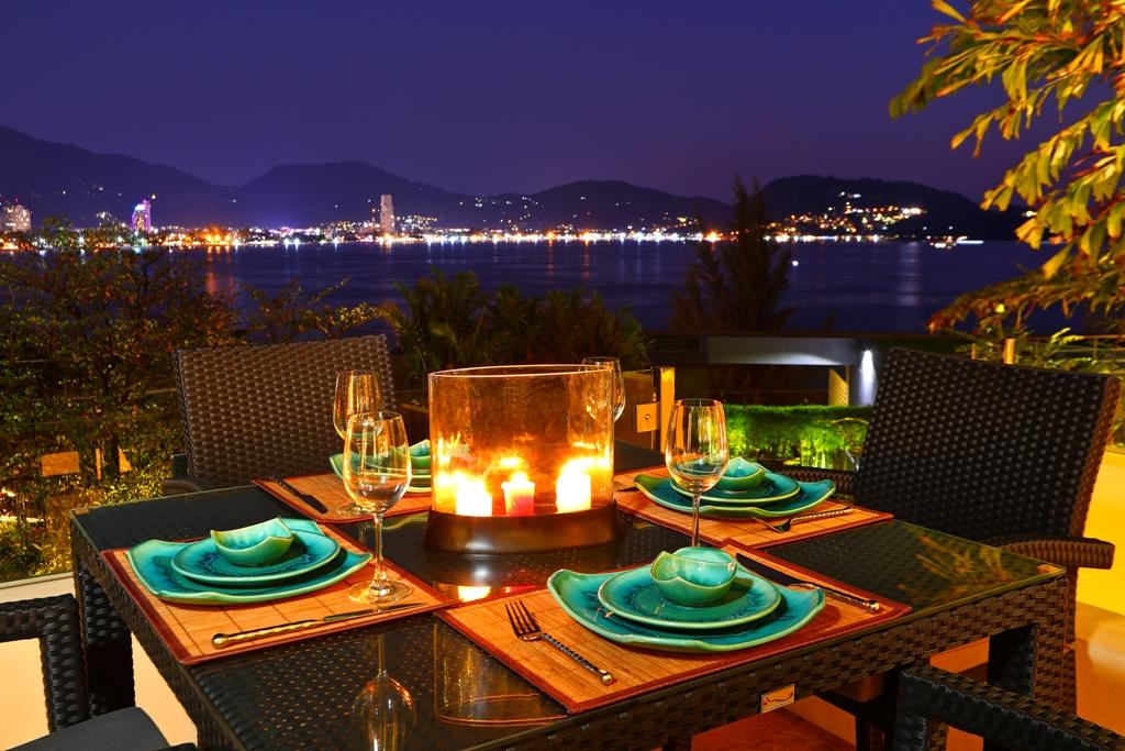 Perfect 3 Bedroom Sea View Condo-Evening_01.jpg