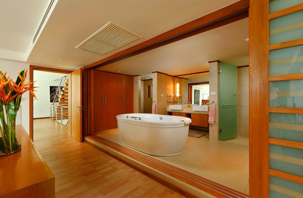 Perfect 3 Bedroom Sea View Condo-br1_01.jpg