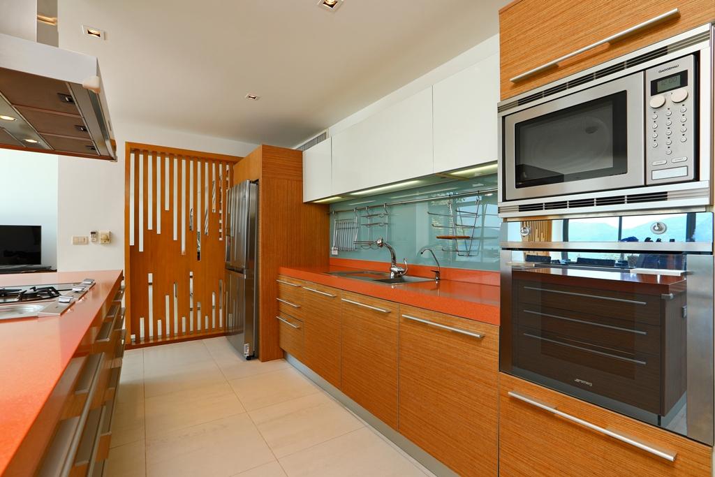 Perfect 3 Bedroom Sea View Condo-Kitchen_04.jpg