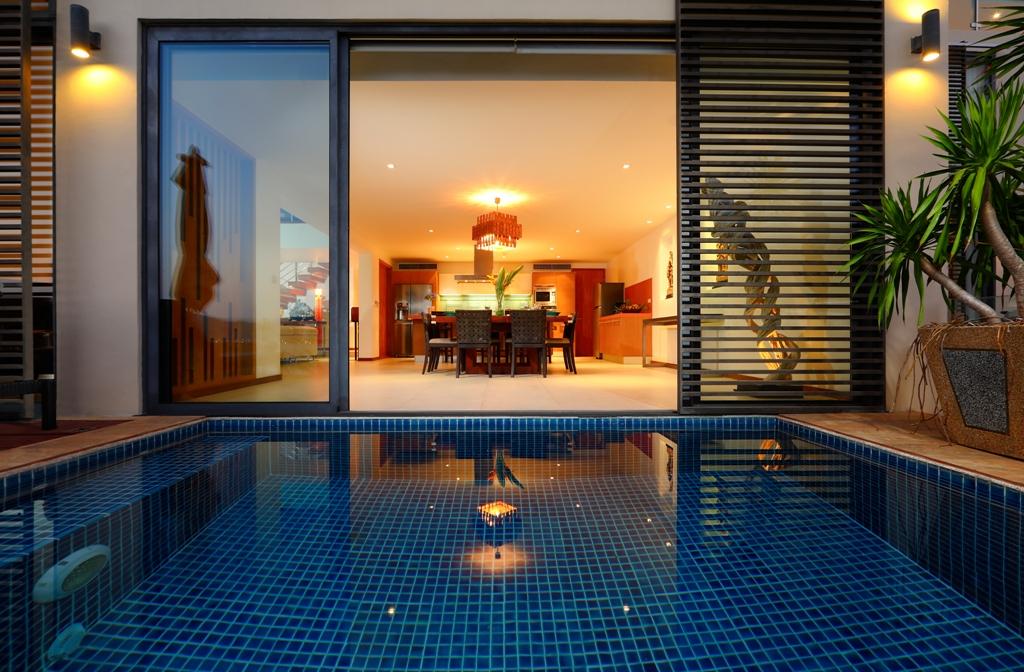 Perfect 3 Bedroom Sea View Condo-Evening_02.jpg