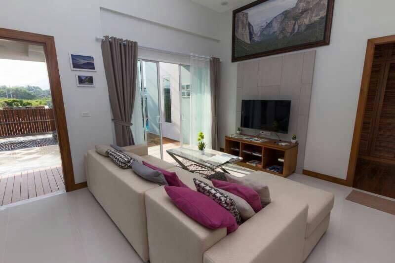 Thalang 3 Bedroom Pool Villa-15297a6c-e9c0-461a-8155-8f12f6f9bf04.jpg