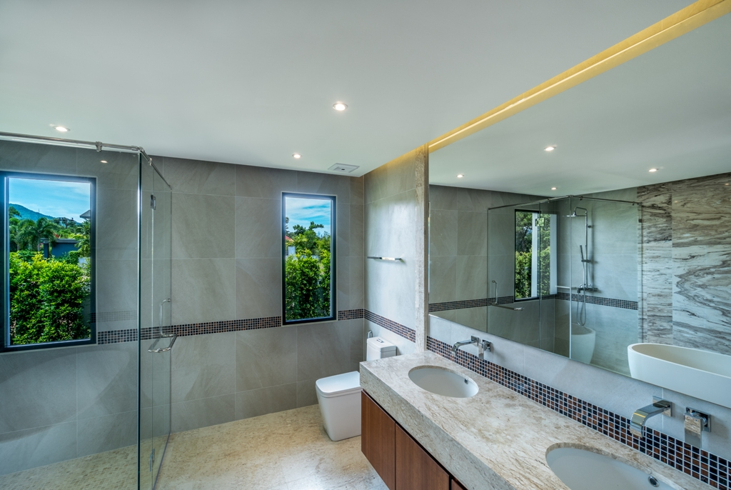 Stunning Golf View Villa-4_Bathrooms_2.JPG