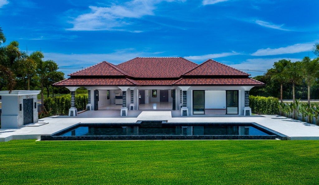 Stunning Golf View Villa-1_Outside_8.JPG