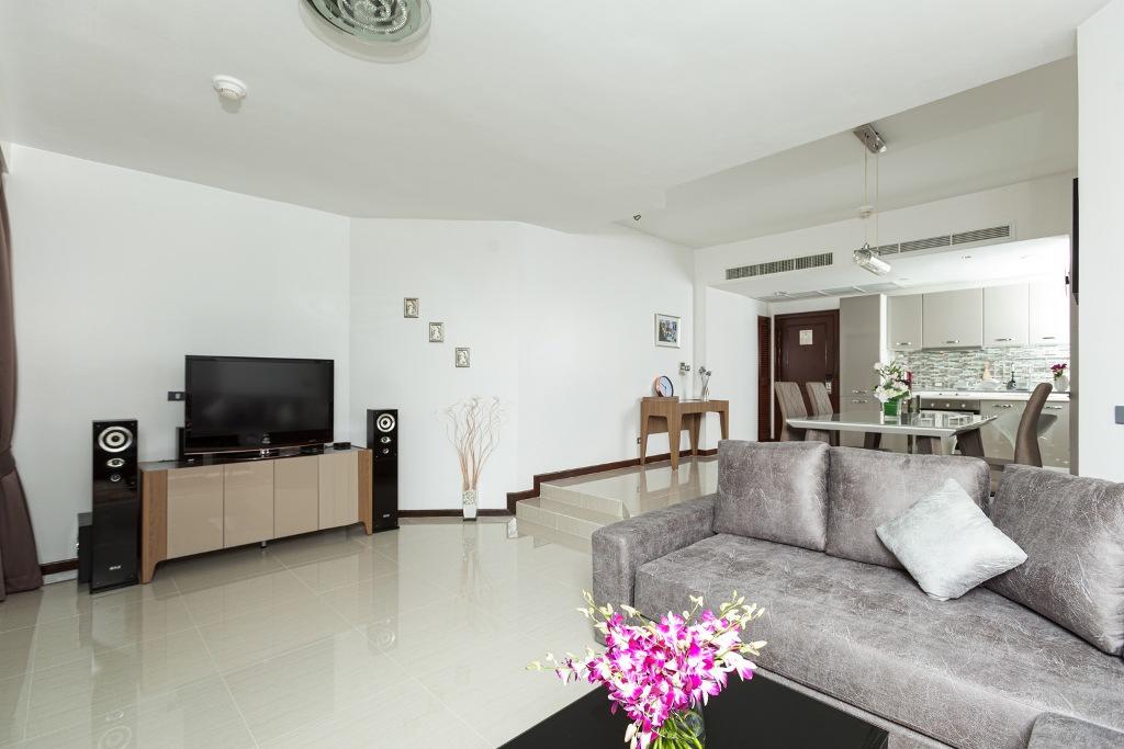 Stunning 1 Bed Golf View Apartment-IMG_0014.jpg