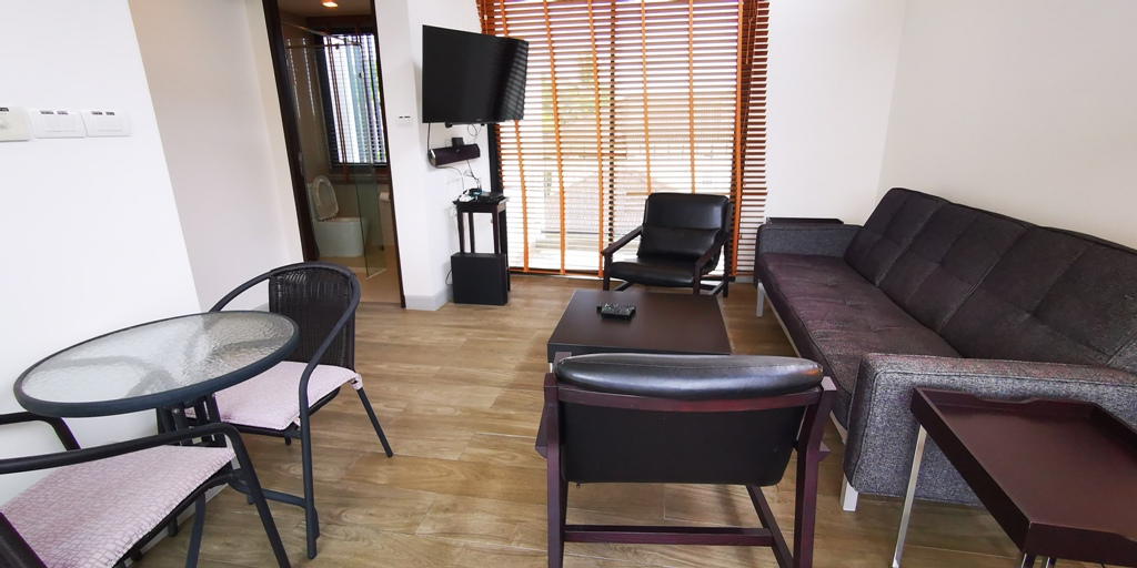 Great 2 Bed Townhome-Great 2 bed townhome Prime Real Estate 1685 loft 1.jpg