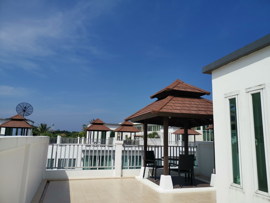 Great 2 Bed Townhome-2 Bed Townhome 1692 rooftop.jpg