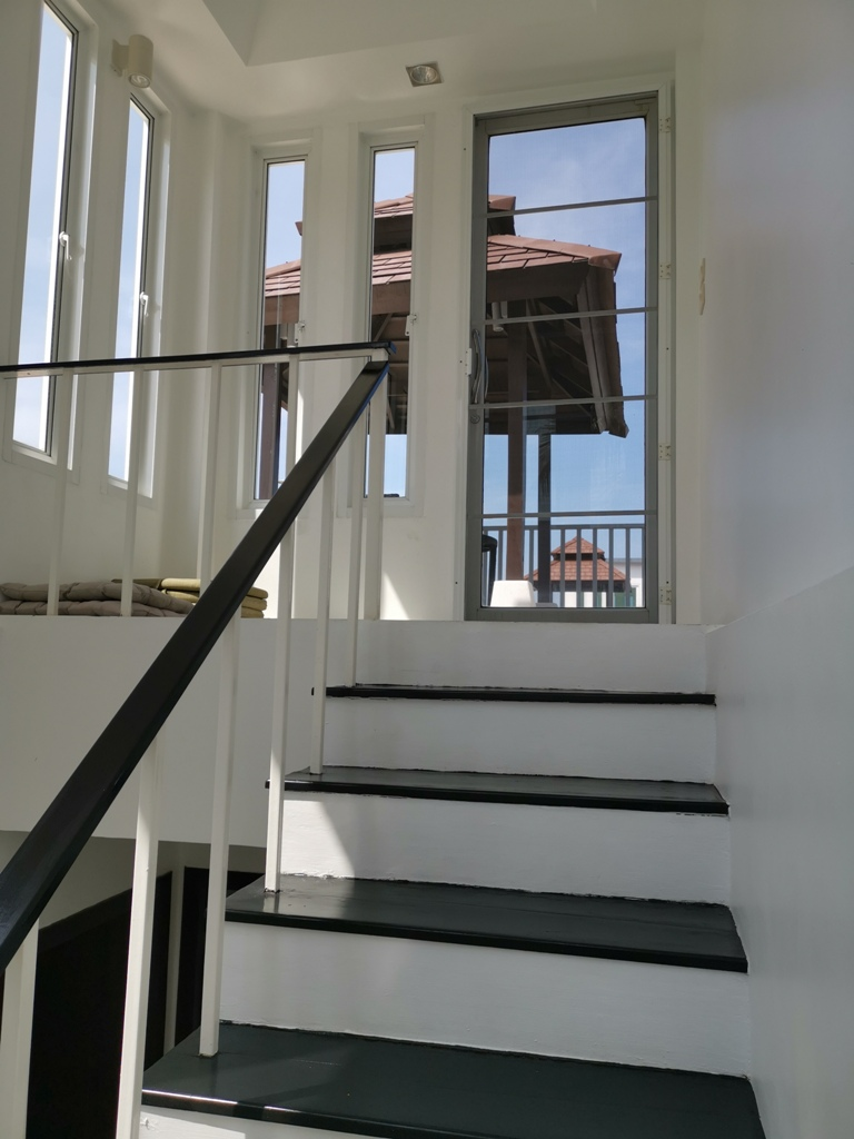 Great 2 Bed Townhome-2 Bed Townhome 1692 stairs.jpg