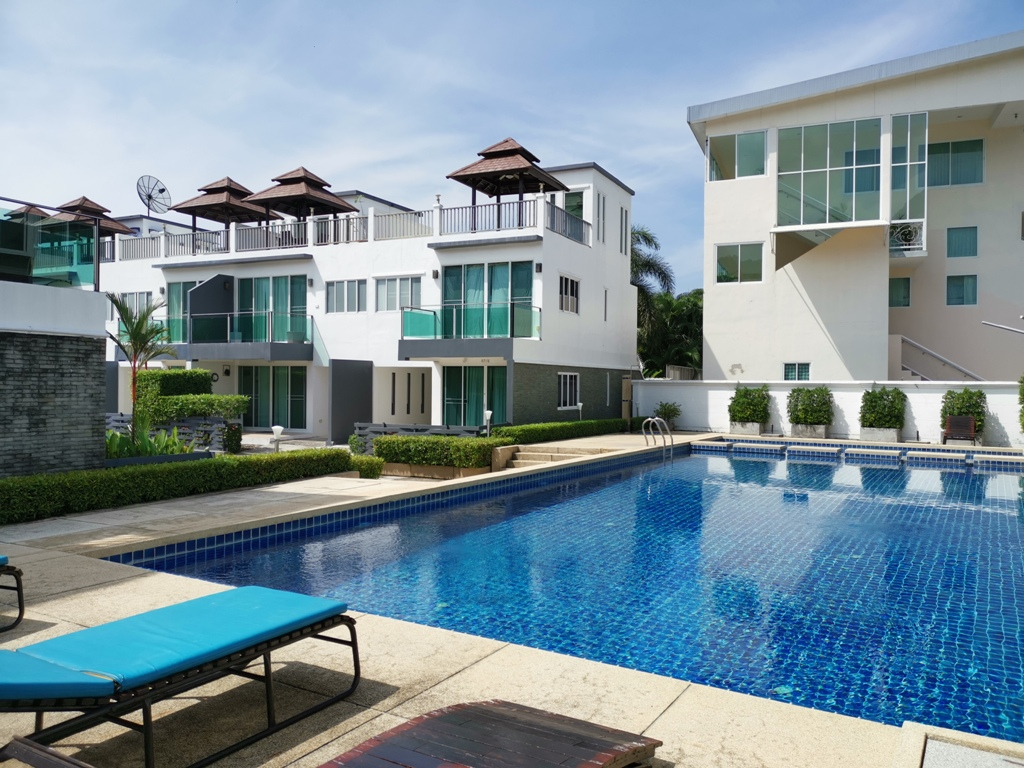 Great 2 Bed Townhome-2 Bed Townhome 1692 pool.jpg