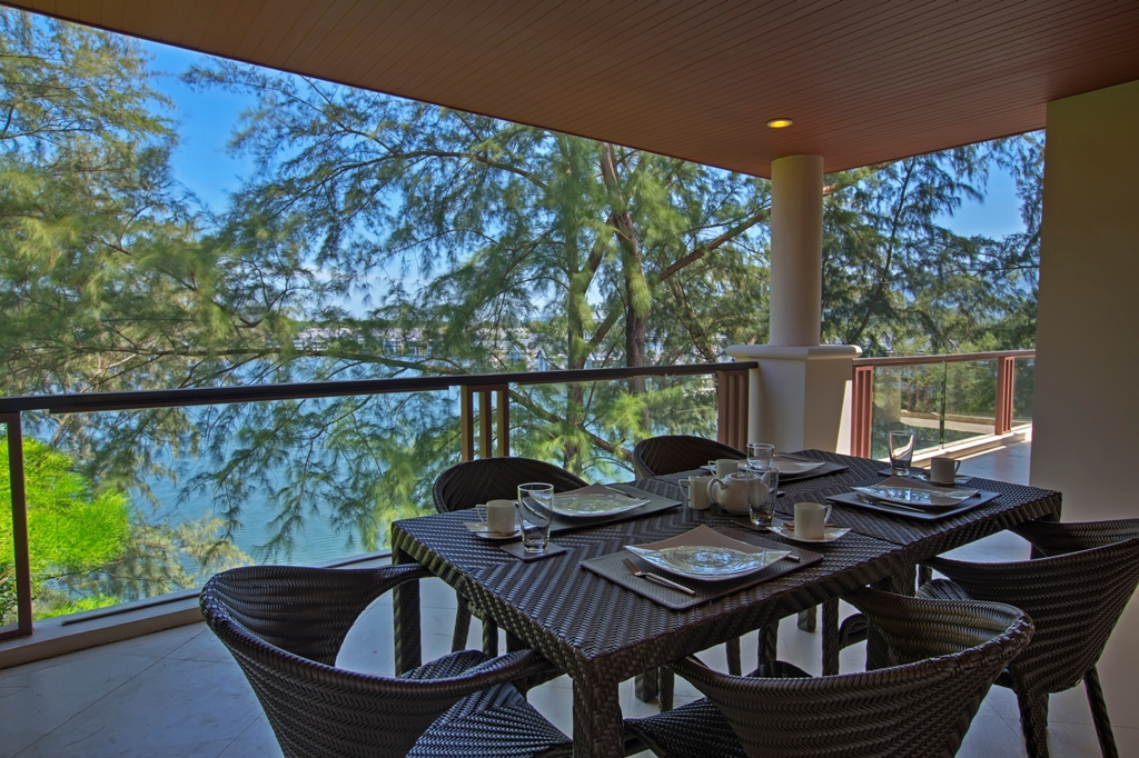 Stunning Sea View Penthouse-Stunning Sea View Penthouse outdoor dining 1697.jpg