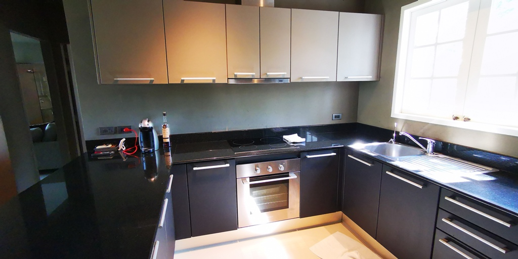 Beautiful 2 Bed Apartment-Beautiful 2 Bed Apartment 1706 kitchen.jpg