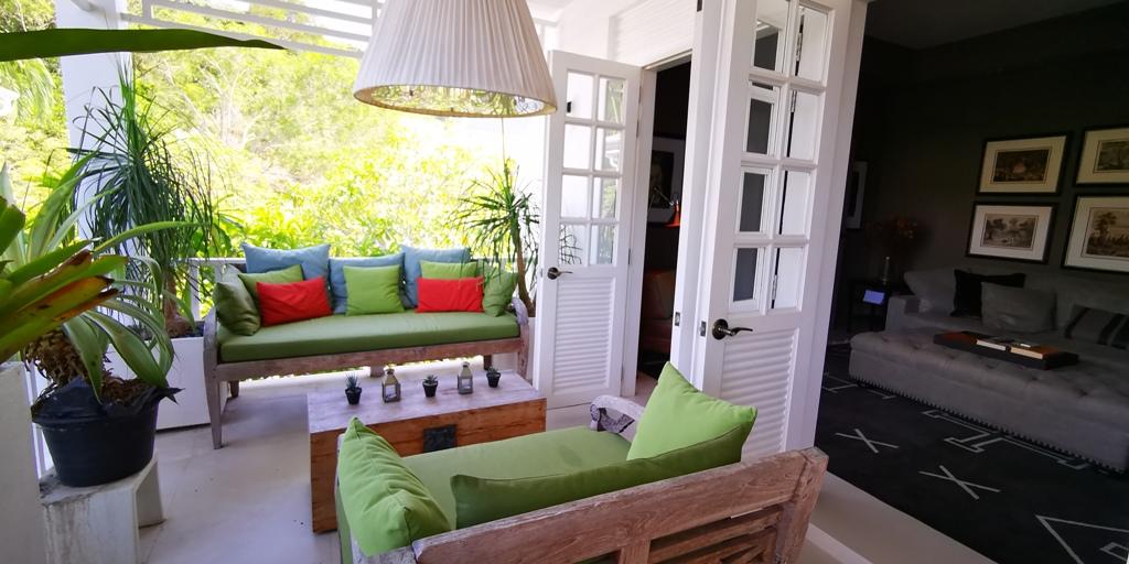 Beautiful 2 Bed Apartment-Beautiful 2 Bed Apartment 1706 terrace.jpg