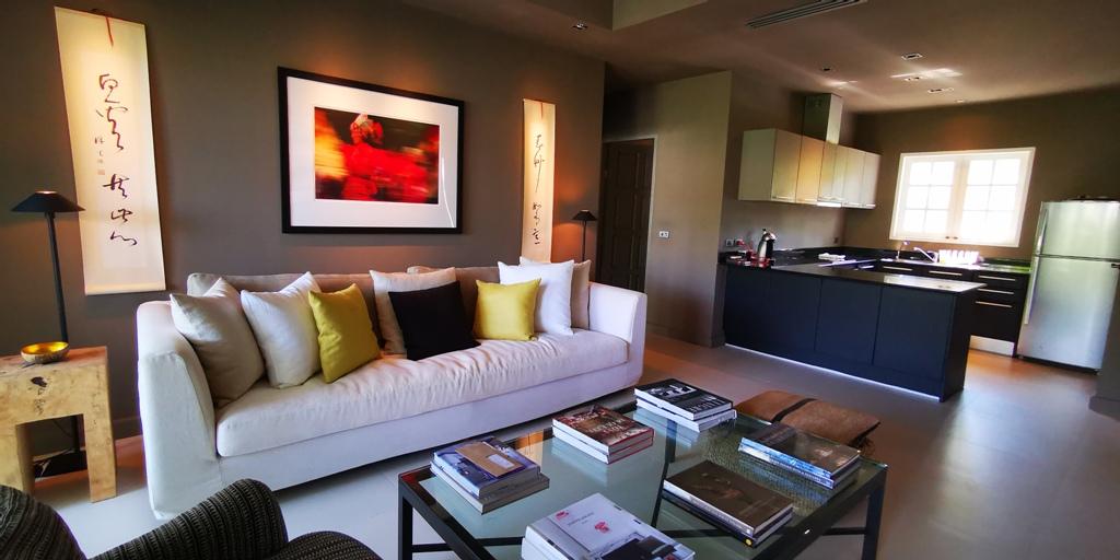 Beautiful 2 Bed Apartment-Beautiful 2 Bed Apartment 1706 living.jpg
