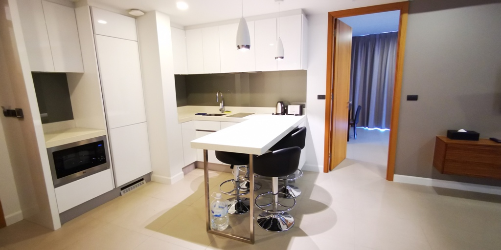 Wonderful 2 Bed Apartment-2 bed apartment 1708 kitchen1.jpg