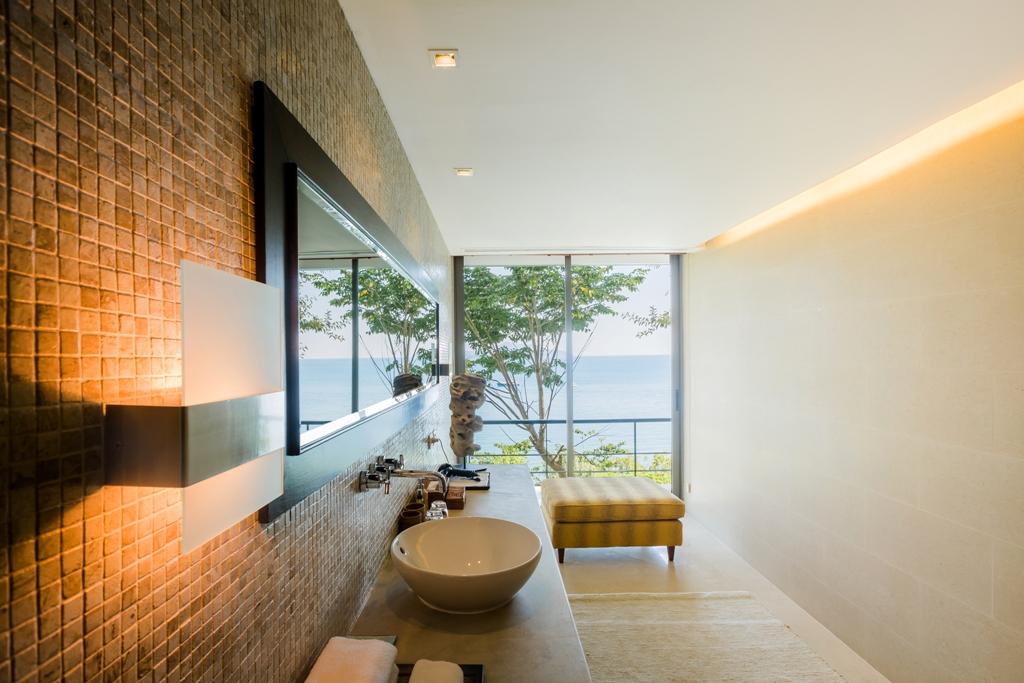 Stunning Oceanfront Family Villa-Stunning Oceanfront Family Villa 1713 b bath(1).jpg