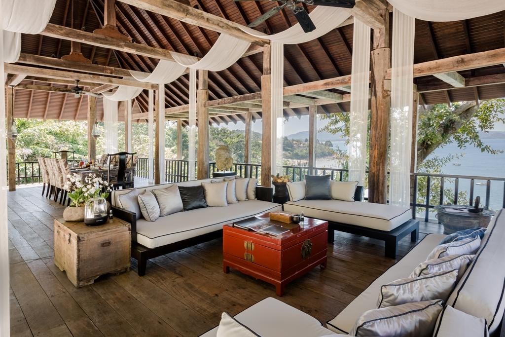 Stunning Oceanfront Family Villa-Stunning Oceanfront Family Villa 1713 living(1).jpg