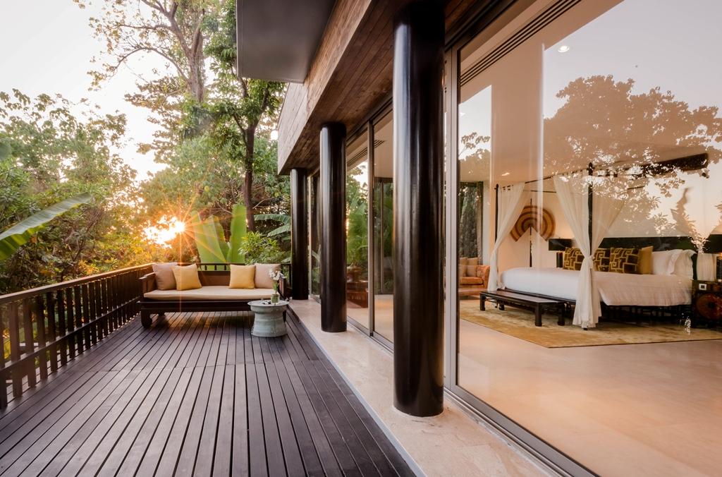 Stunning Oceanfront Family Villa-Stunning Oceanfront Family Villa 1713 bed deck(1).jpg