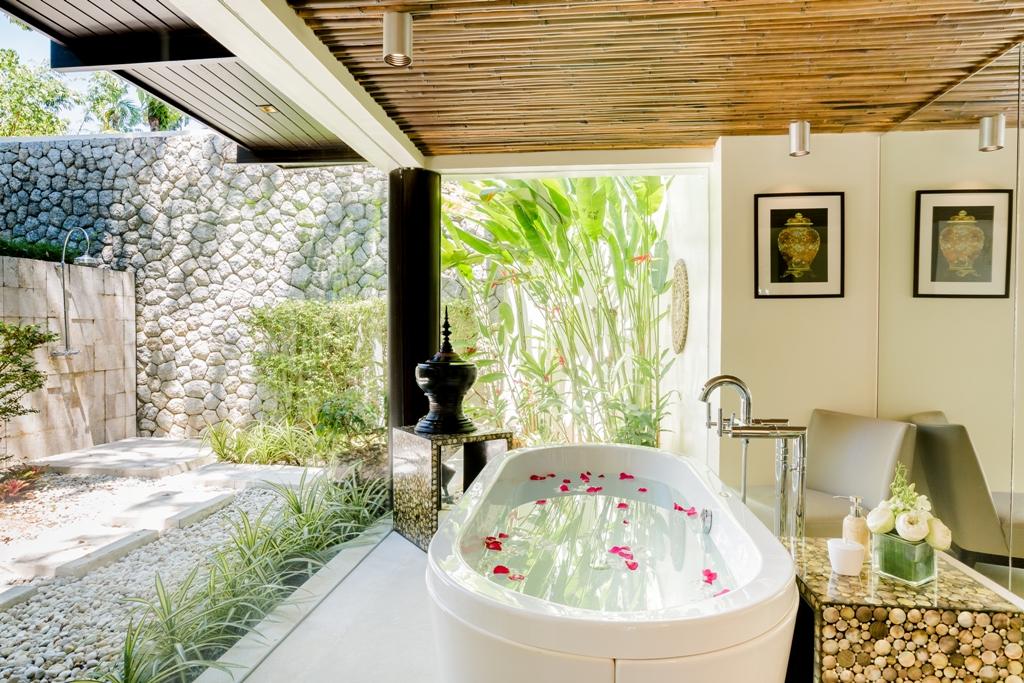 Stunning Oceanfront Family Villa-Stunning Oceanfront Family Villa 1713 bth(1).jpg