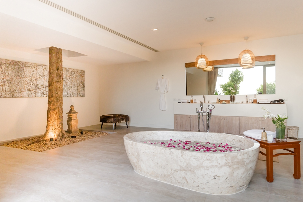 Stunning Oceanfront Family Villa-Stunning Oceanfront Family Villa 1713 bath m(1).jpg