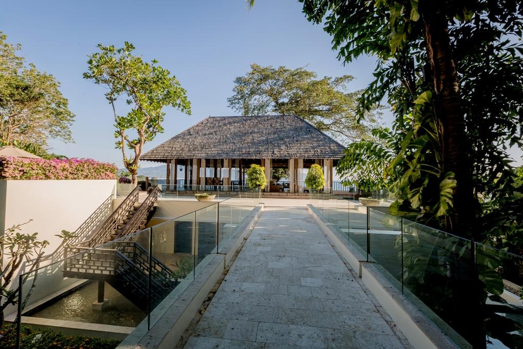 Stunning Oceanfront Family Villa-Stunning Oceanfront Family Villa 1713 skywalk(1).jpg