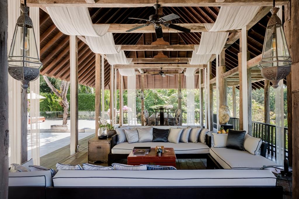 Stunning Oceanfront Family Villa-Stunning Oceanfront Family Villa 1713 living 1(1).jpg