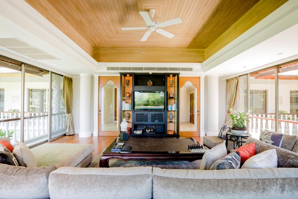 3 Bed Ocean view Pool Villa-Incredible 3 Bed Oceanview Villa 1714 living.jpg