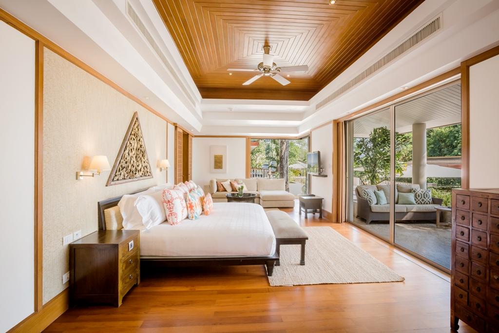 3 Bed Ocean view Pool Villa-Incredible 3 Bed Oceanview Villa 1714 Master bedroom.jpg